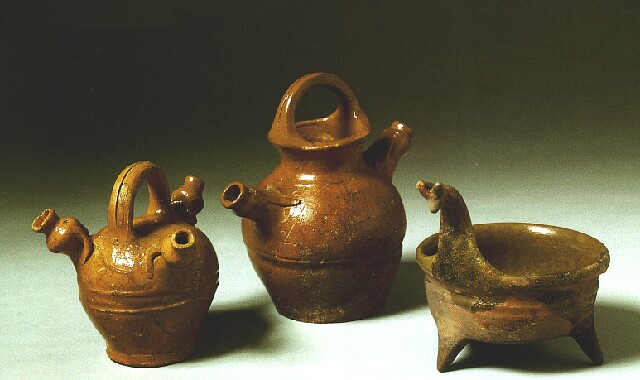Pot with three legs and cans from excavations in Buda - second half of the 13th century